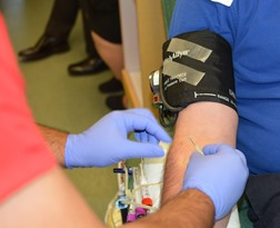 Apple Valley CA phlebotomy classes in taking blood sample